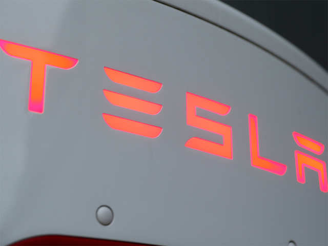 Tesla launches 'Full Self Driving' beta